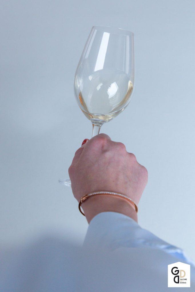 Witte wijn kijken